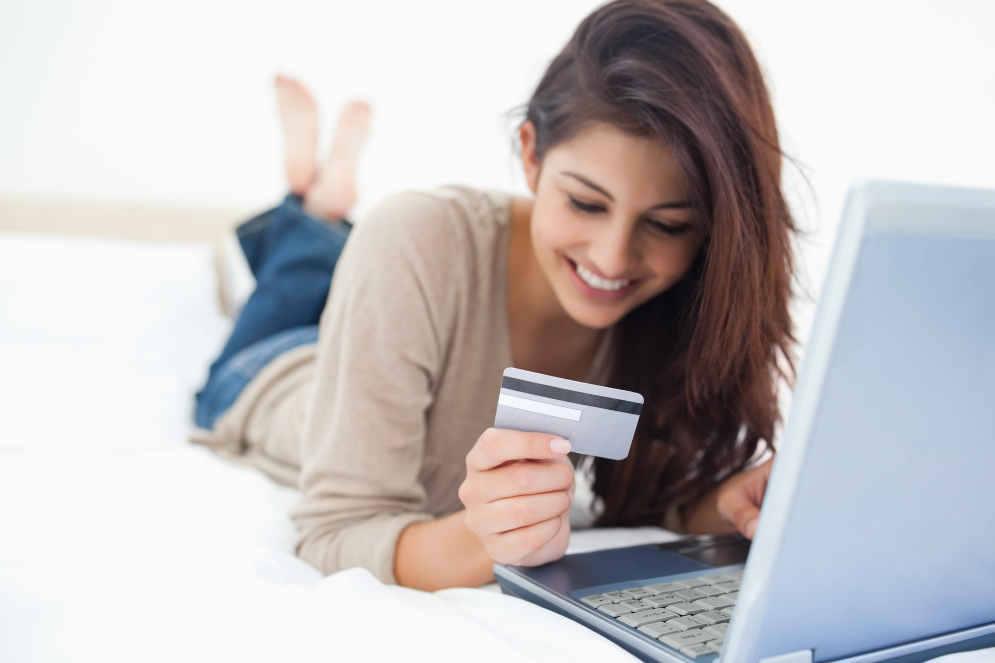 Vanderbilt Visa Credit Card - woman with credit card